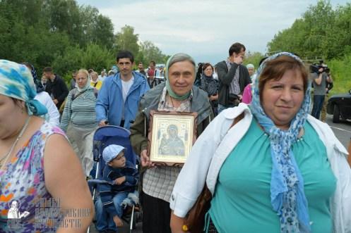 easter_procession_ukraine_pochaev_sr_0627