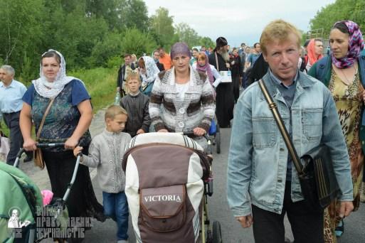 easter_procession_ukraine_pochaev_sr_0638