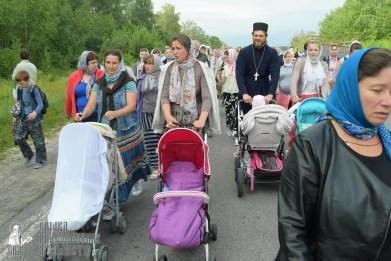 easter_procession_ukraine_pochaev_sr_0650