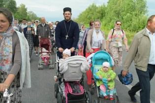 easter_procession_ukraine_pochaev_sr_0654
