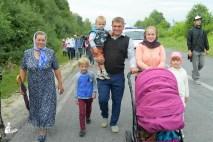 easter_procession_ukraine_pochaev_sr_0673