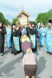 easter_procession_ukraine_pochaev_sr_0717