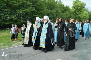 easter_procession_ukraine_pochaev_sr_0729