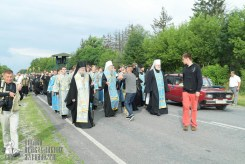 easter_procession_ukraine_pochaev_sr_0738
