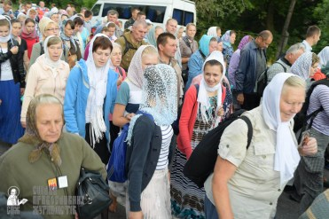 easter_procession_ukraine_pochaev_sr_0755