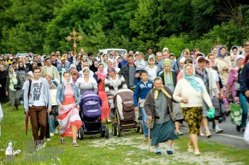 easter_procession_ukraine_pochaev_sr_0802