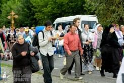 easter_procession_ukraine_pochaev_sr_0810