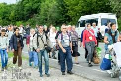 easter_procession_ukraine_pochaev_sr_0830
