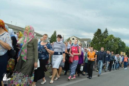 easter_procession_ukraine_pochaev_sr_0850