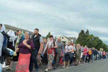 easter_procession_ukraine_pochaev_sr_0852