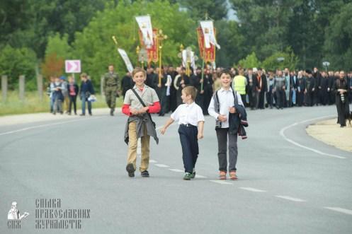 easter_procession_ukraine_pochaev_sr_0872