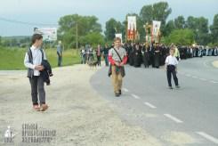 easter_procession_ukraine_pochaev_sr_0879