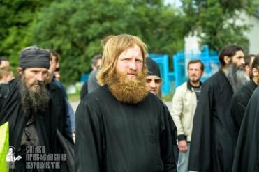 easter_procession_ukraine_pochaev_sr_0896