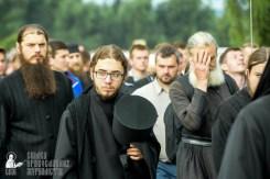 easter_procession_ukraine_pochaev_sr_0898