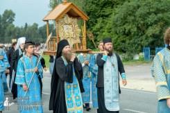 easter_procession_ukraine_pochaev_sr_0903