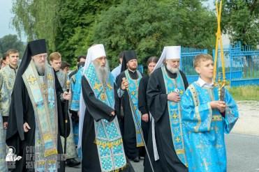 easter_procession_ukraine_pochaev_sr_0907