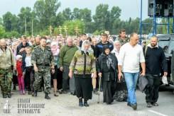 easter_procession_ukraine_pochaev_sr_0911