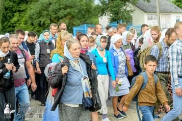 easter_procession_ukraine_pochaev_sr_0917
