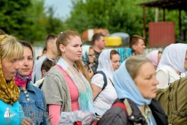 easter_procession_ukraine_pochaev_sr_0918