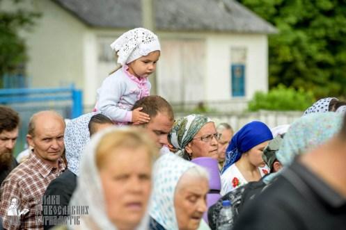 easter_procession_ukraine_pochaev_sr_0919