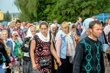 easter_procession_ukraine_pochaev_sr_0928