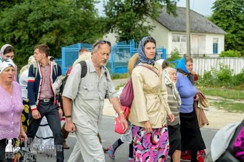 easter_procession_ukraine_pochaev_sr_0938