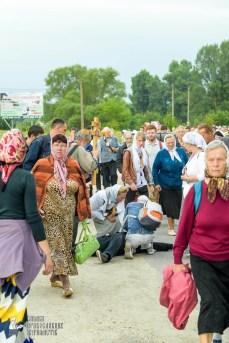 easter_procession_ukraine_pochaev_sr_0940