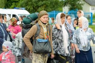 easter_procession_ukraine_pochaev_sr_0944