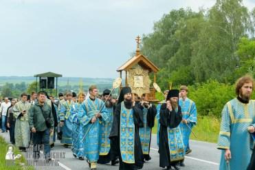 easter_procession_ukraine_pochaev_sr_0957