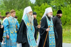 easter_procession_ukraine_pochaev_sr_0960