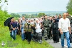 easter_procession_ukraine_pochaev_sr_0962