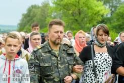 easter_procession_ukraine_pochaev_sr_0964