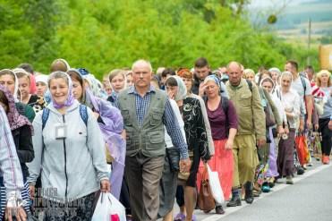 easter_procession_ukraine_pochaev_sr_0978