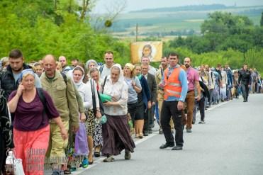 easter_procession_ukraine_pochaev_sr_0979