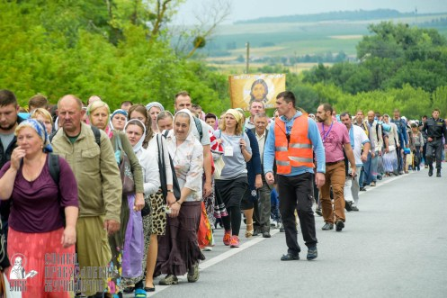 easter_procession_ukraine_pochaev_sr_0980