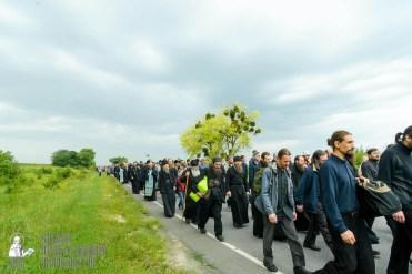 easter_procession_ukraine_pochaev_sr_0993