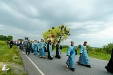 easter_procession_ukraine_pochaev_sr_1000