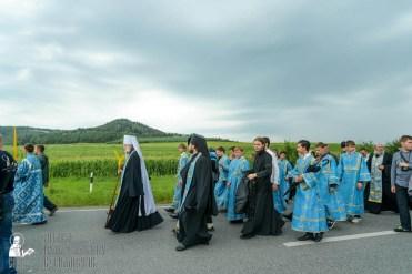 easter_procession_ukraine_pochaev_sr_1019