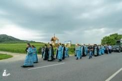 easter_procession_ukraine_pochaev_sr_1021
