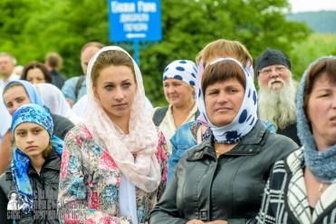 easter_procession_ukraine_pochaev_sr_1065
