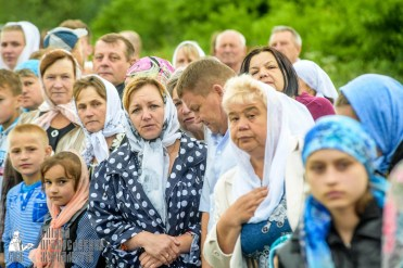 easter_procession_ukraine_pochaev_sr_1066