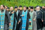 easter_procession_ukraine_pochaev_sr_1082