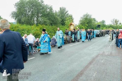 easter_procession_ukraine_pochaev_sr_1085