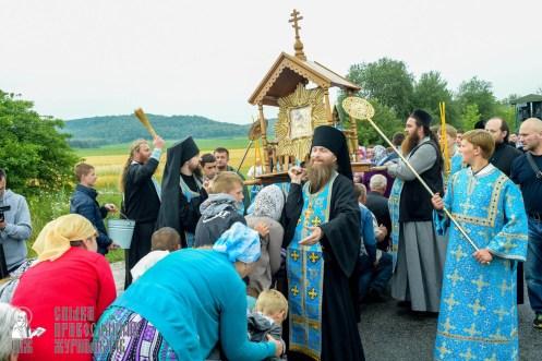 easter_procession_ukraine_pochaev_sr_1115