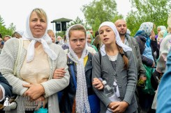 easter_procession_ukraine_pochaev_sr_1161