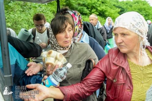 easter_procession_ukraine_pochaev_sr_1184