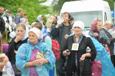 easter_procession_ukraine_pochaev_sr_1186