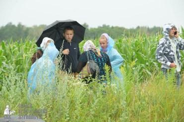 easter_procession_ukraine_pochaev_sr_1196