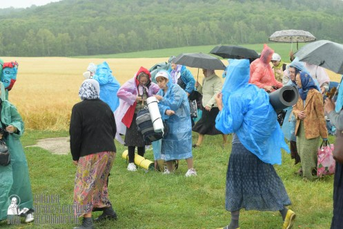 easter_procession_ukraine_pochaev_sr_1198