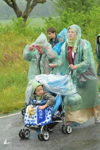 easter_procession_ukraine_pochaev_sr_1221